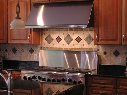 Cuyahoga Falls, Ohio – Stone Tile Backsplash
