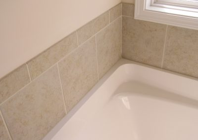 Creekside64 Tub Surround