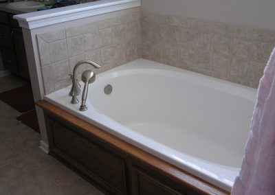 Simple Tile Master Bathroom in Cuyahoga Falls, Ohio