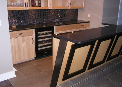 Glass Mosaic Wet Bar Tile Backsplash in Cuyahoga Falls, Ohio